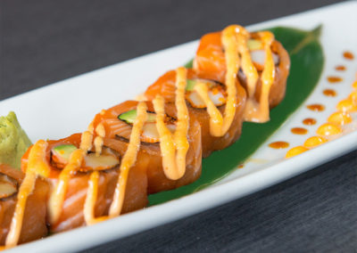 Spicy Salmon Deluxe Roll